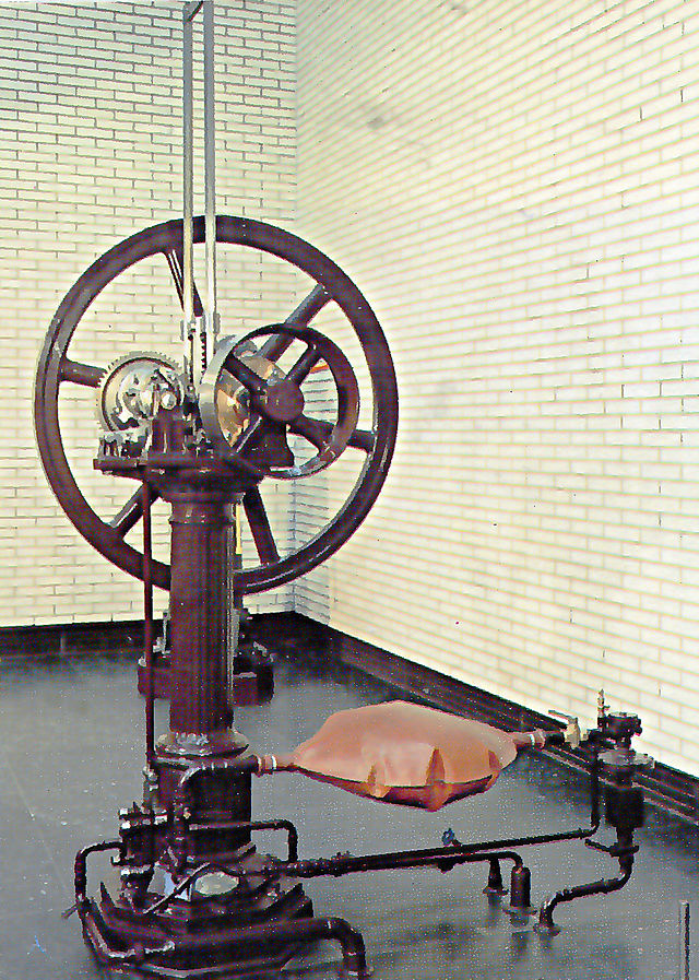 Η εφεύρεση του τετράχρονου κινητήρα