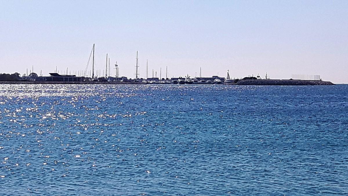 Παραλία Αγίου Κοσμά στο Ελληνικό 12