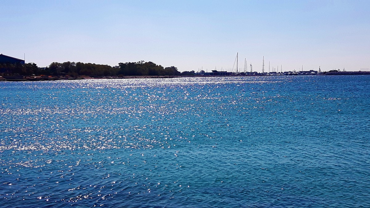 Παραλία Αγίου Κοσμά στο Ελληνικό 13